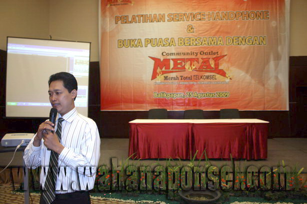 Workshop-Reparasi-Ponsel-Outlet-Telkomsel-25_exposure