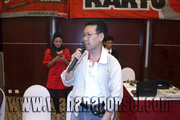 Workshop-Reparasi-Ponsel-Outlet-Telkomsel-26_exposure