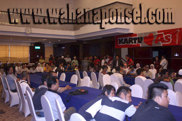 Workshop-Reparasi-Ponsel-Outlet-Telkomsel-74_exposure