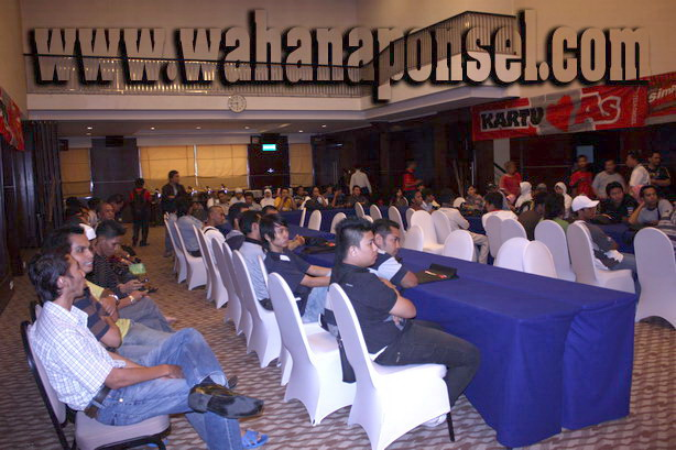 Workshop-Reparasi-Ponsel-Outlet-Telkomsel-76_exposure