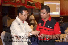 Workshop-Reparasi-Ponsel-Outlet-Telkomsel-08_exposure