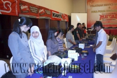 Workshop-Reparasi-Ponsel-Outlet-Telkomsel-17_exposure
