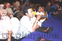 Workshop-Reparasi-Ponsel-Outlet-Telkomsel-72_exposure