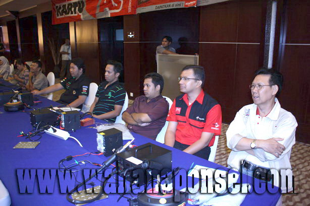 Workshop-Reparasi-Ponsel-Outlet-Telkomsel-14_exposure