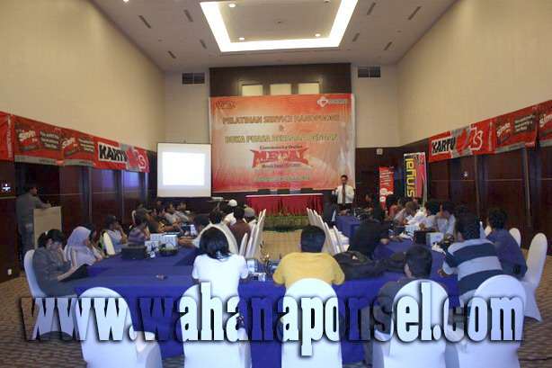 Workshop-Reparasi-Ponsel-Outlet-Telkomsel-57_exposure