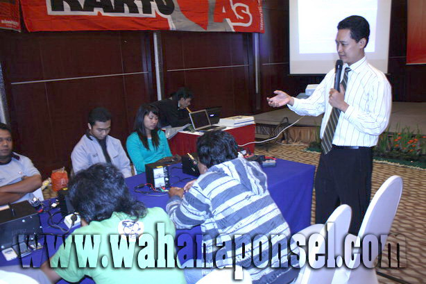 Workshop-Reparasi-Ponsel-Outlet-Telkomsel-59_exposure