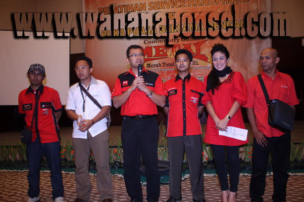 Workshop-Reparasi-Ponsel-Outlet-Telkomsel-78