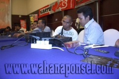 Workshop-Reparasi-Ponsel-Outlet-Telkomsel-40_exposure
